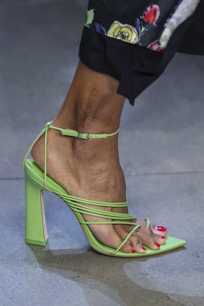 женственная обувь