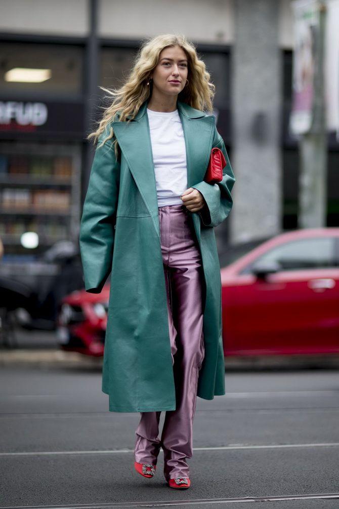 зеленое пальто