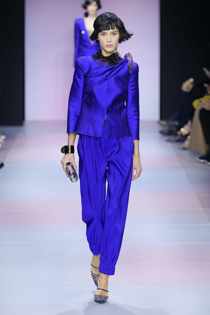 модные брючные костюмы 2020 женские синего цвета