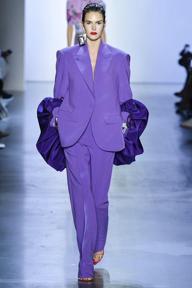 фиолетовый женский костюм