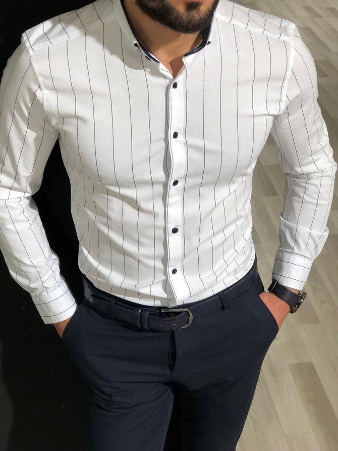 белая рубашка в синюю полоску