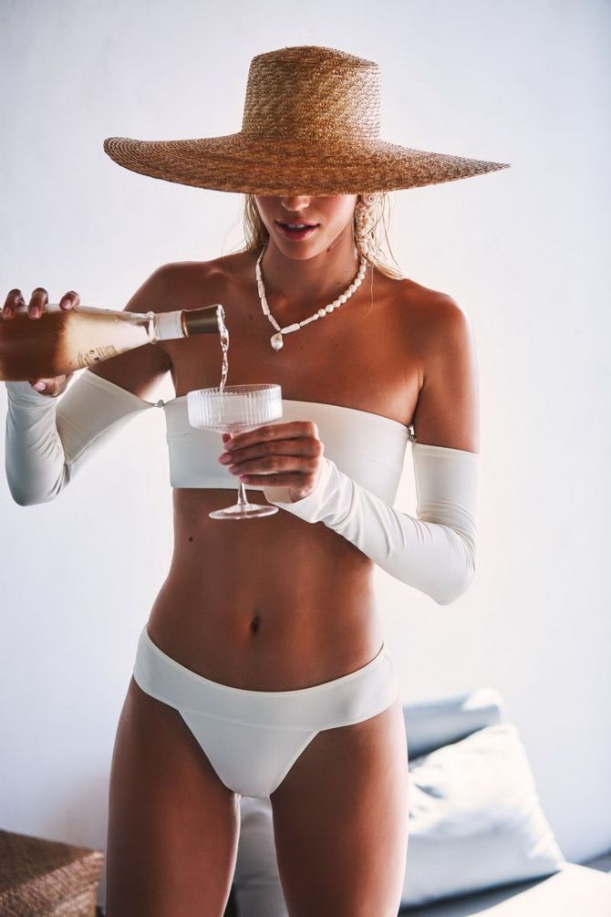 Badebekleidung mit Top