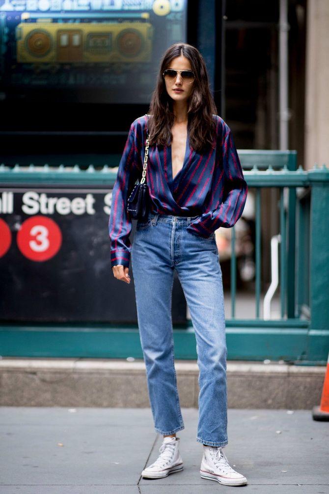 Які сорочки носити з джинсами