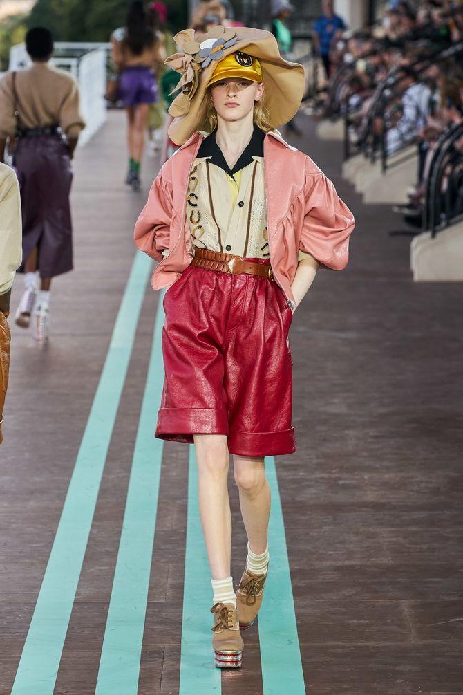 кожаные шорты с завышенной талией