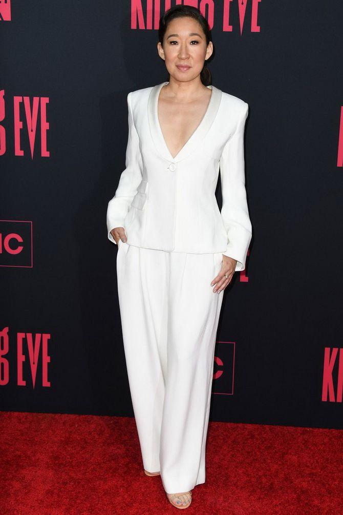 белые  костюмы весна лето 2020