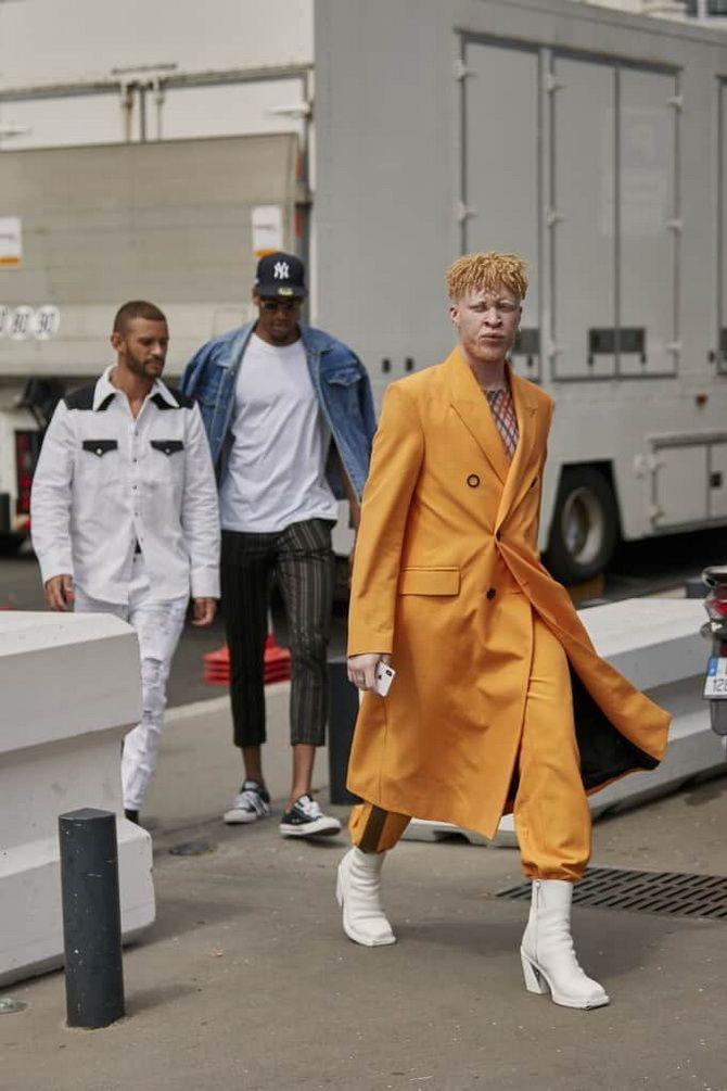 мужское оранжевое пальто