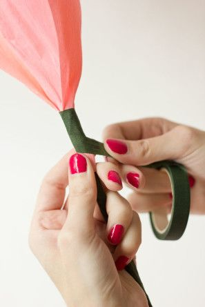 Мистецтво DIY: покрокова схема, як легко і просто зробити квіти з паперу своїми руками 10