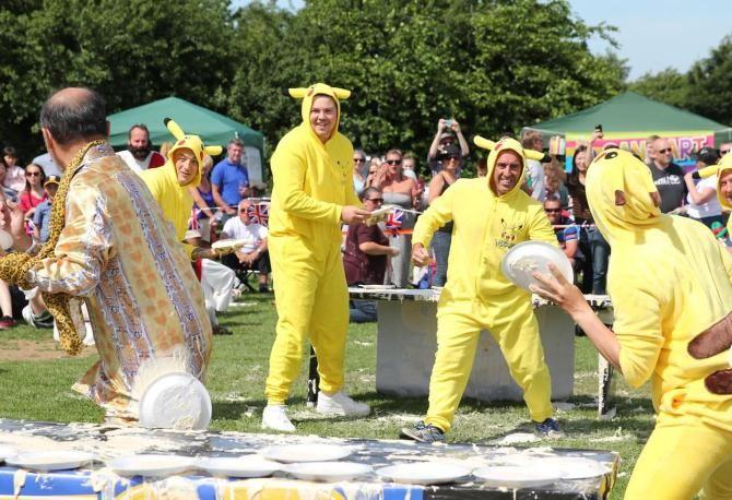 Чемпіонат з метання заварних пирогів, Великобританія