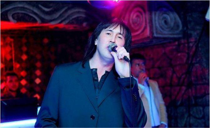 узбекский рэпер Руслан Шарипов.