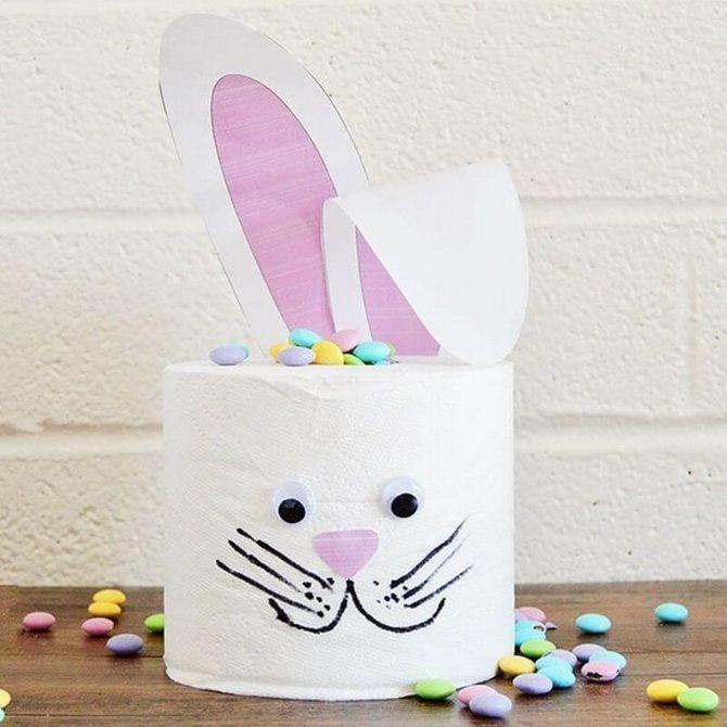 кролик из туалетной бумаги