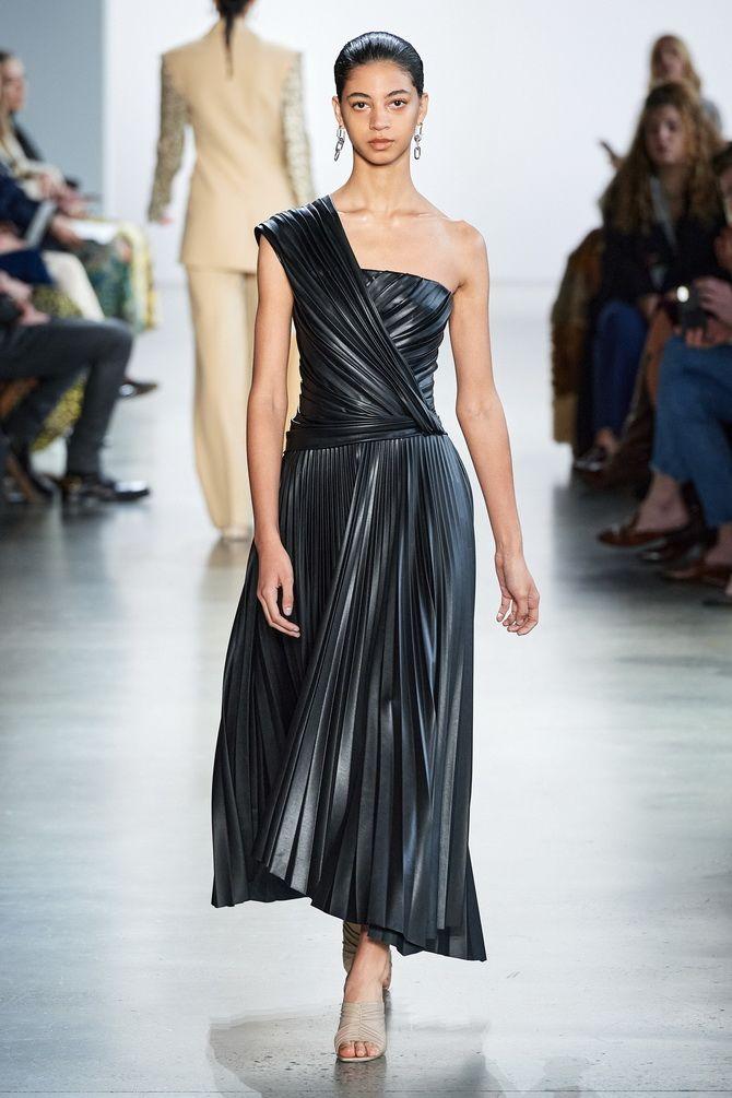 Черное платье на выпускной 2020