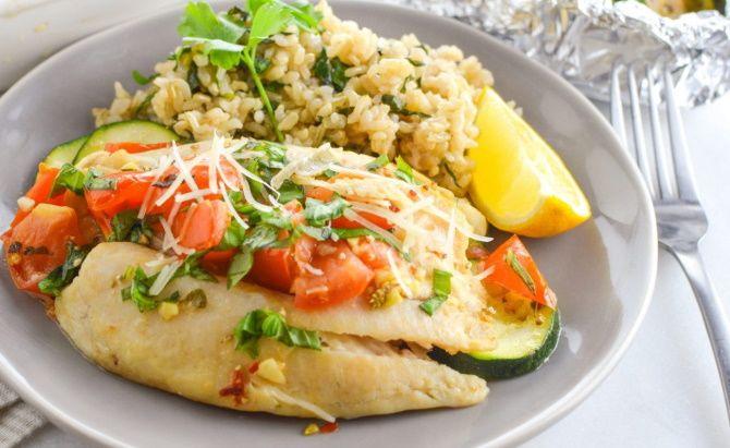 Скумбрія в маринаді з рисом і овочами