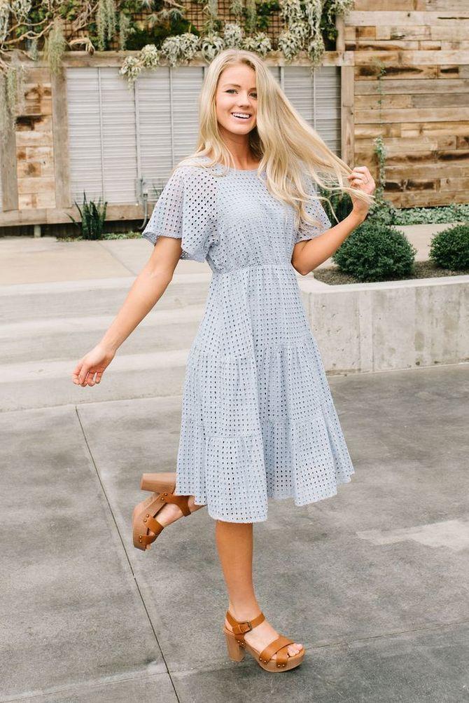 платья длины миди
