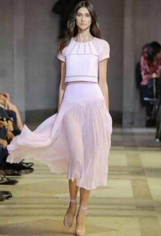 Встречаем по одежке: модные луки и новинки – 2020, идеи, фото 3