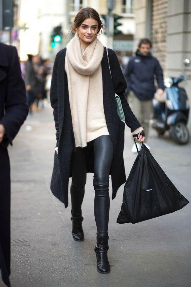 кожаные брюки черный кардиган