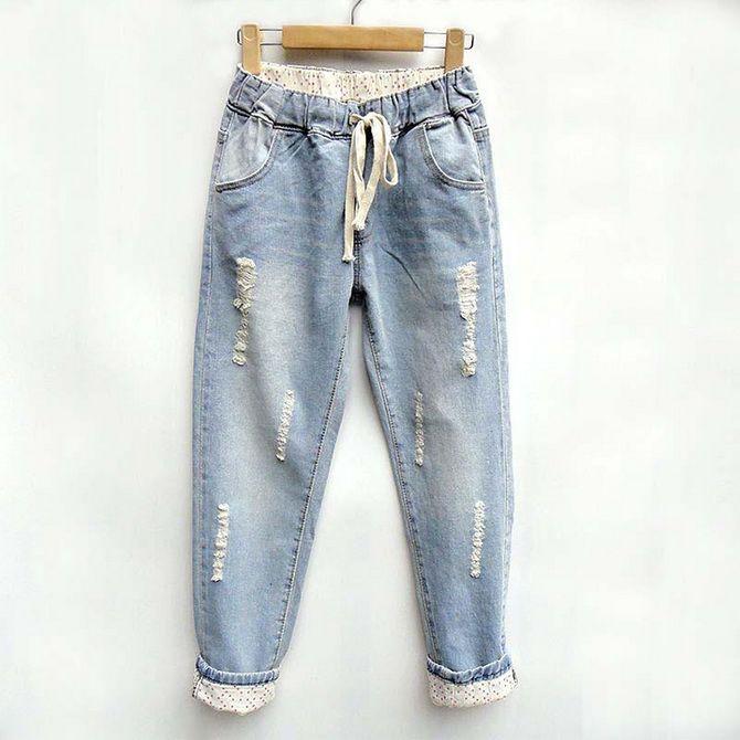 модель джинсов бананы