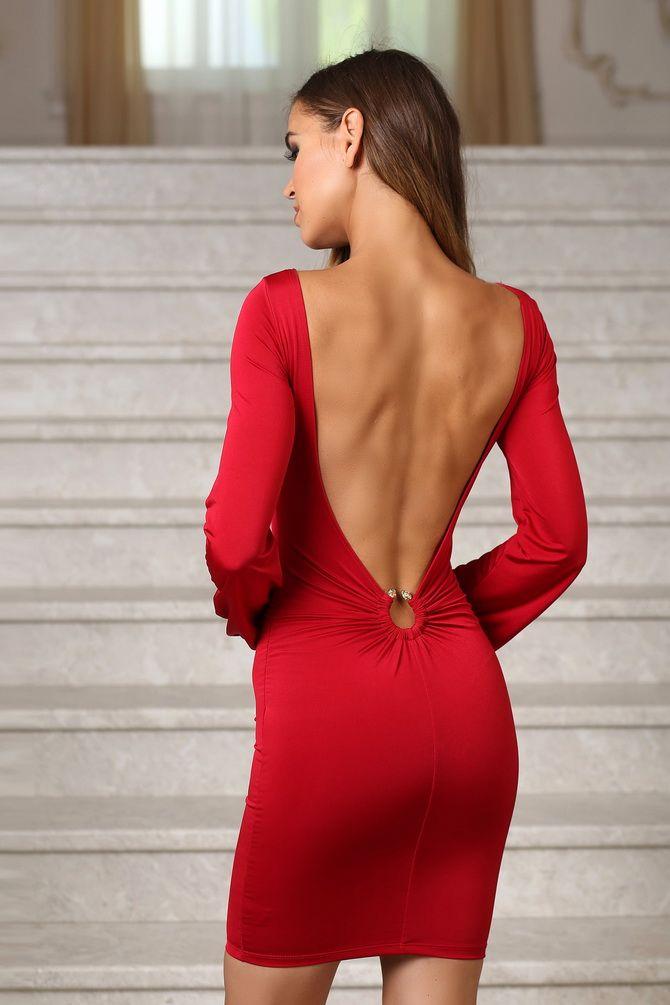 маленькое красное платье 20200