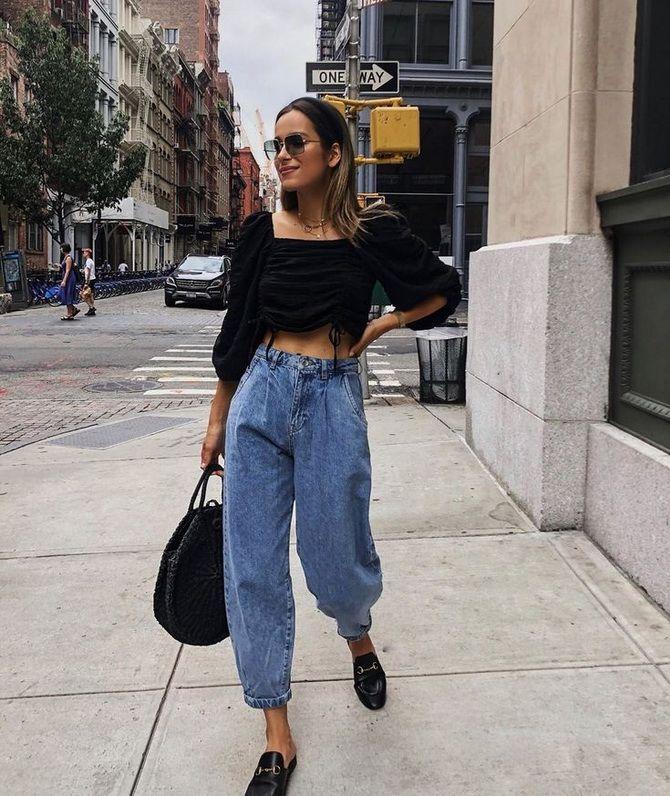 З чим носити джинси-банани в 2021 році: 45 модних ідей 17