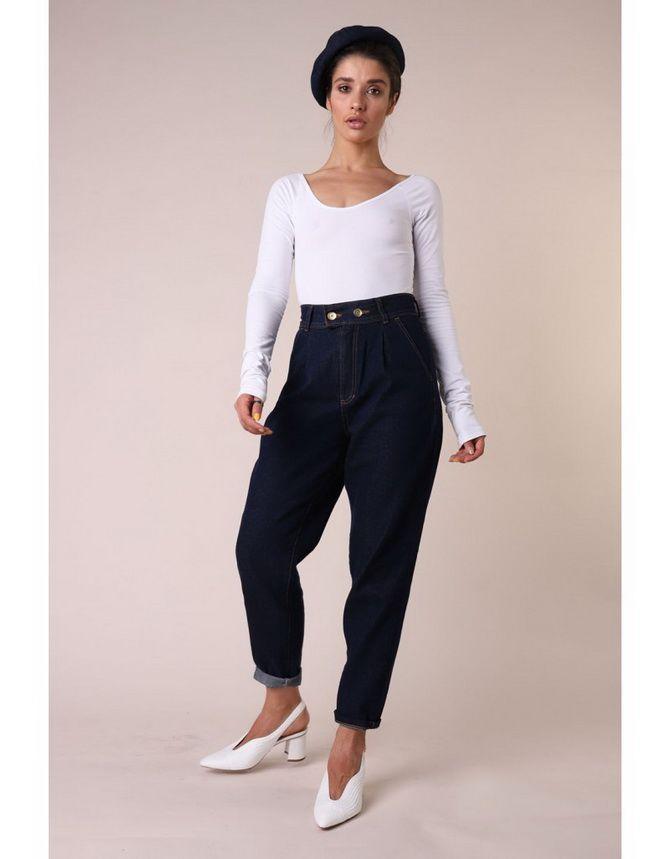 З чим носити джинси-банани в 2021 році: 45 модних ідей 18