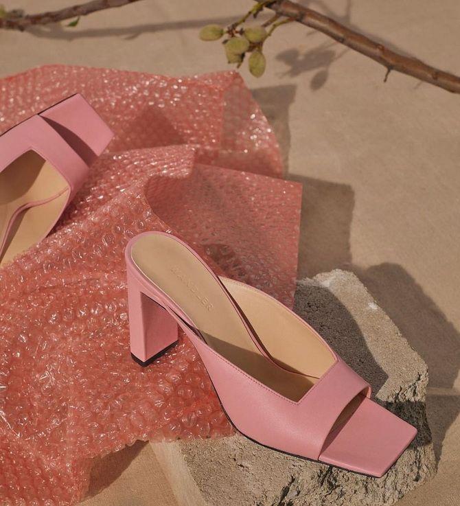розовые мюли