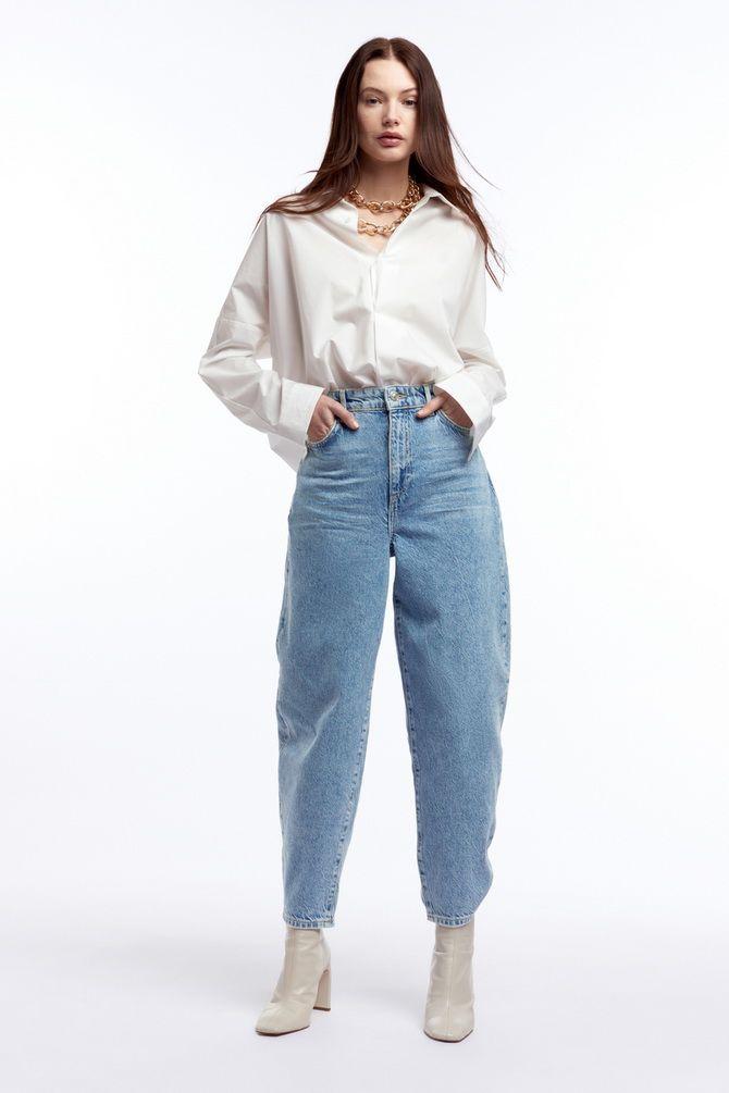 З чим носити джинси-банани в 2021 році: 45 модних ідей 24