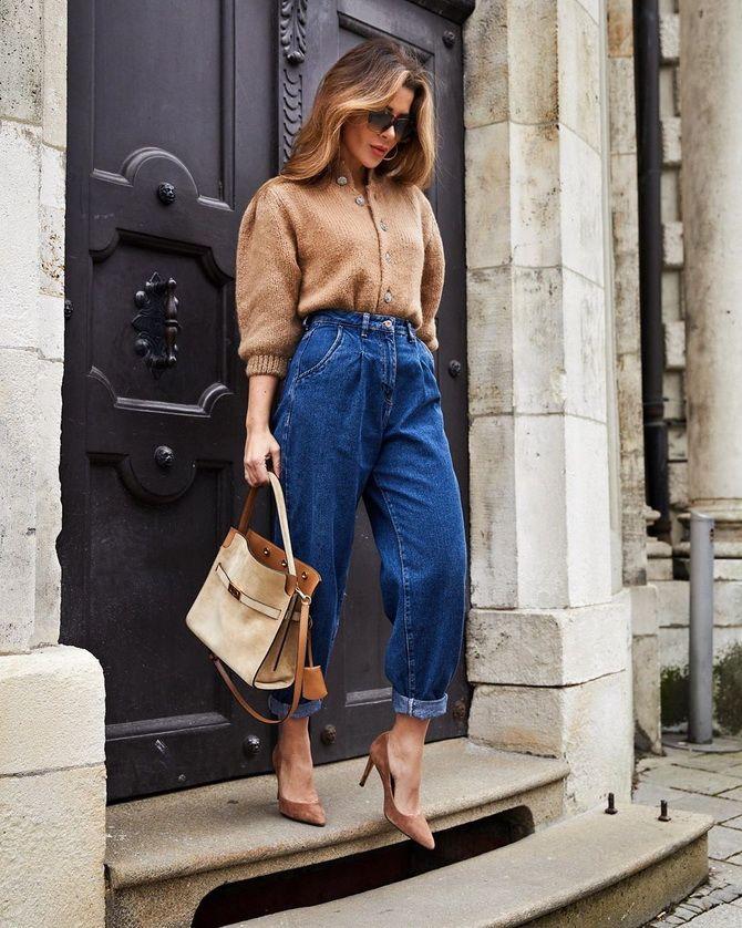 З чим носити джинси-банани в 2021 році: 45 модних ідей 28