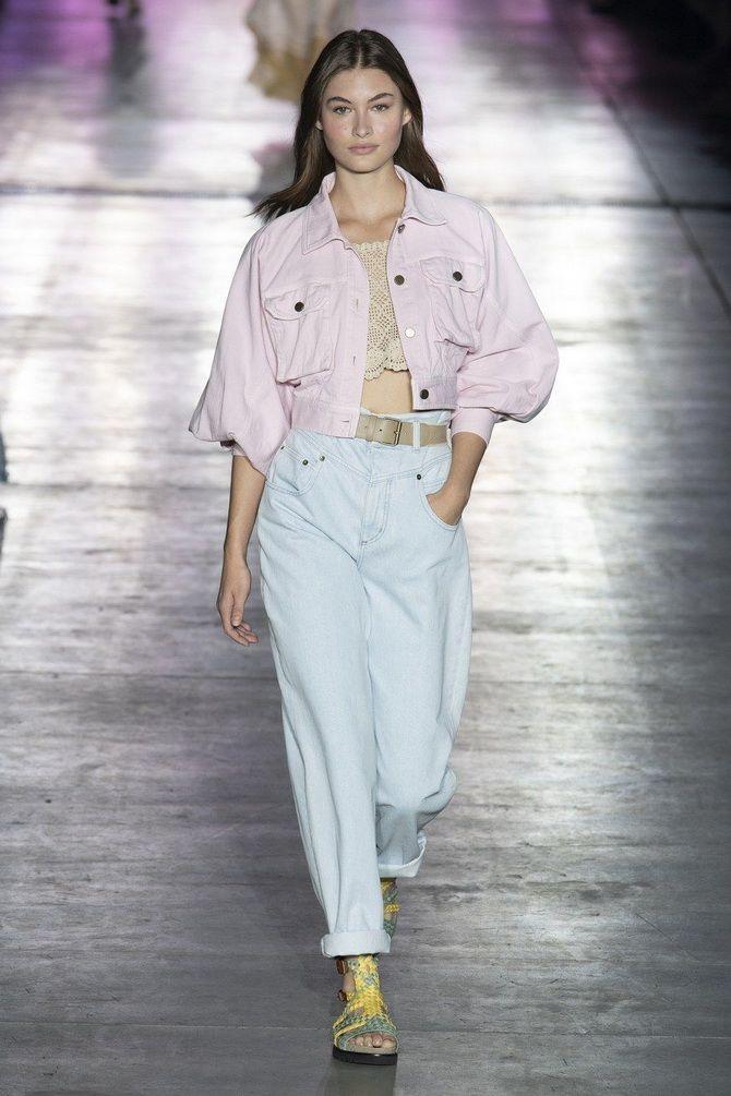 З чим носити джинси-банани в 2021 році: 45 модних ідей 31