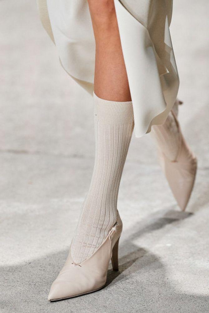 белая модная женская обувь 2020