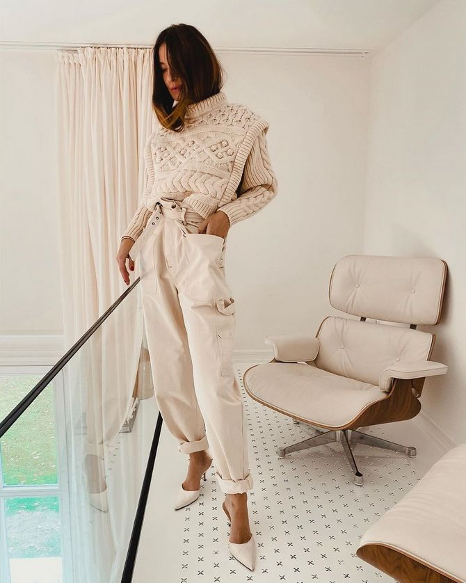 З чим носити джинси-банани в 2021 році: 45 модних ідей 34