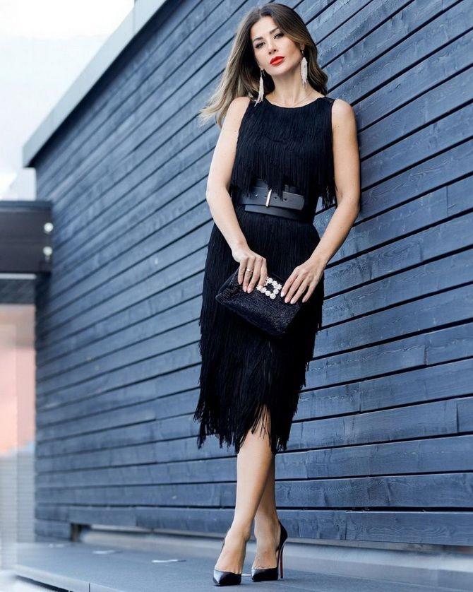 девушки в черных платьях