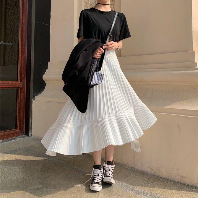 девушка в длинной юбке