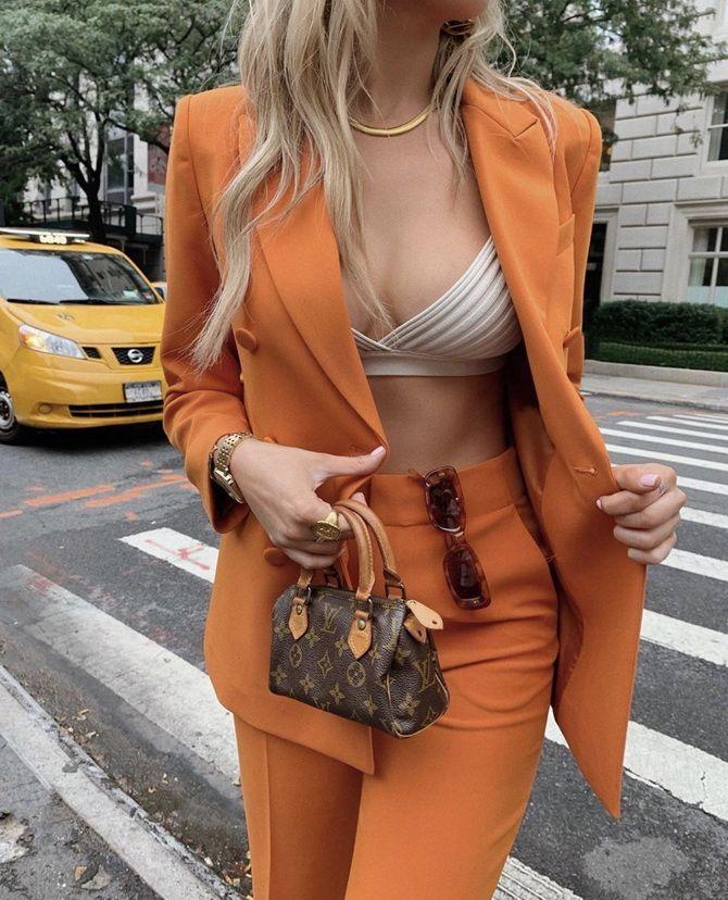 оранжевый пиджак