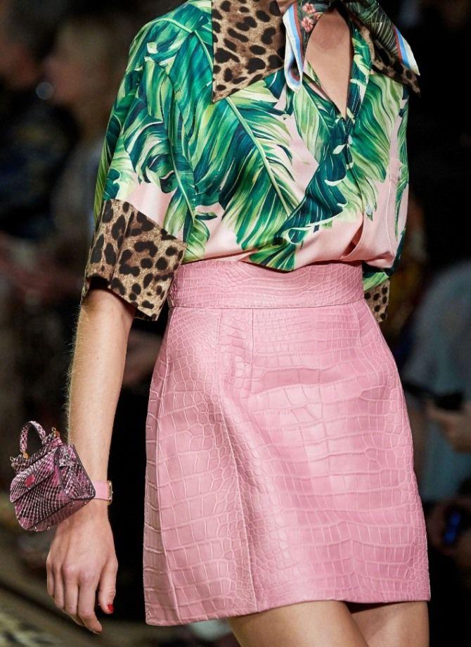 розовая юбка из кожи