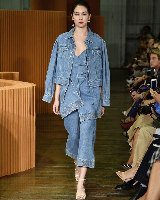 джинсы с широкой талией