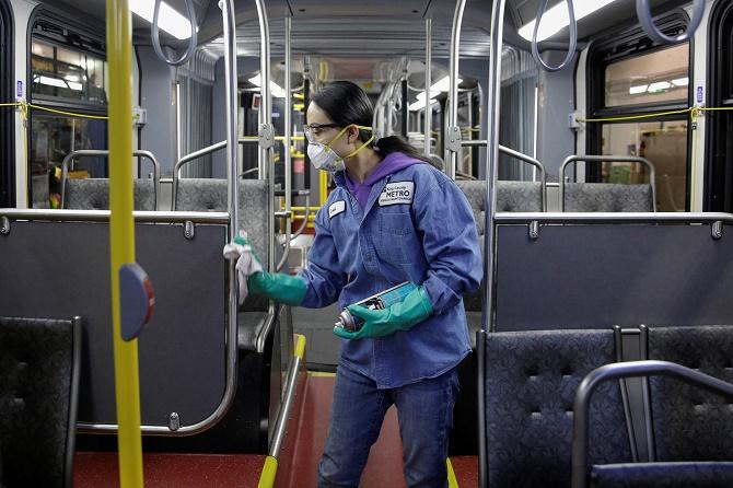 обробка автобусів в США