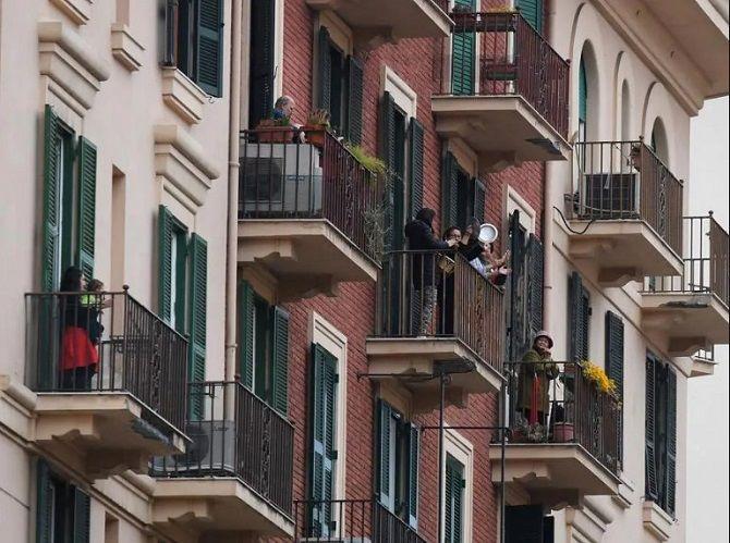 Италия аплодисменты