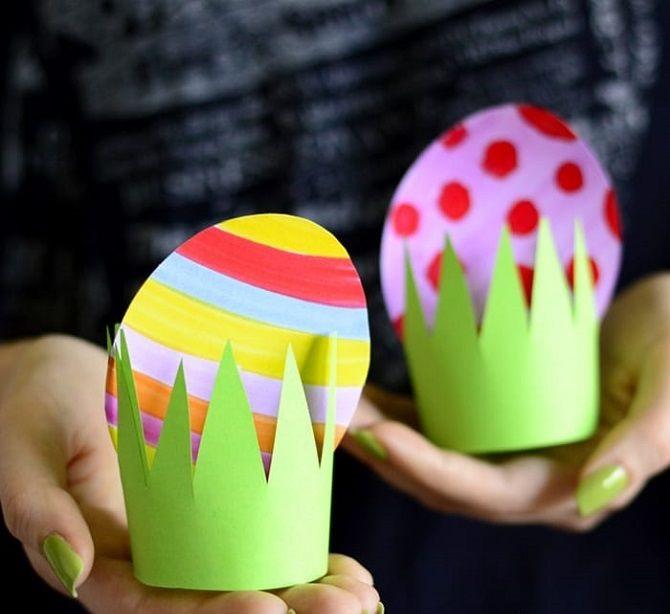 Пасхальные яйца в траве из бумаги