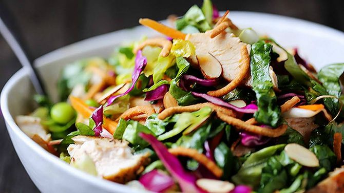 Китайський салат з куркою