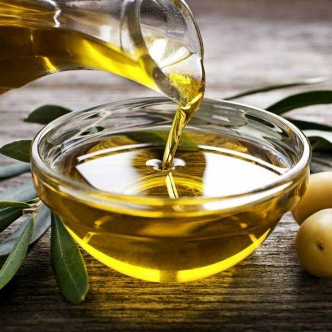 Оливкова олія  Має антиоксидантні властивості