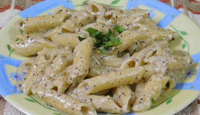 Домашня італійська паста у вершковому соусі