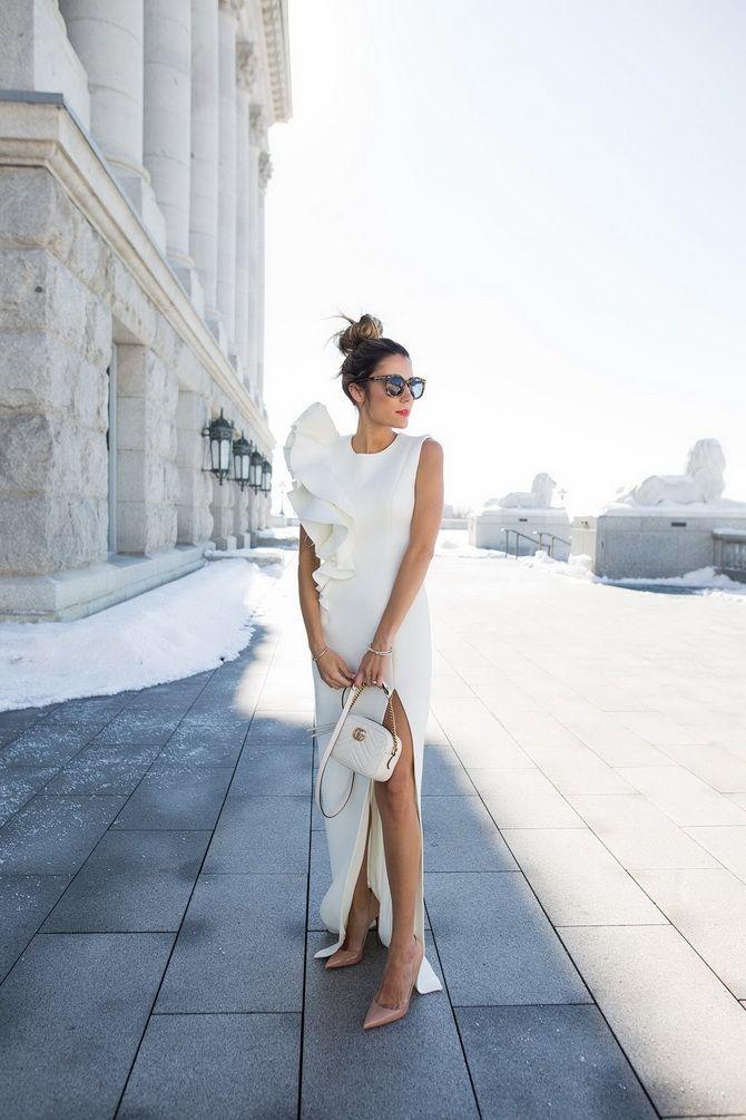асиметричні сукні з рюшами