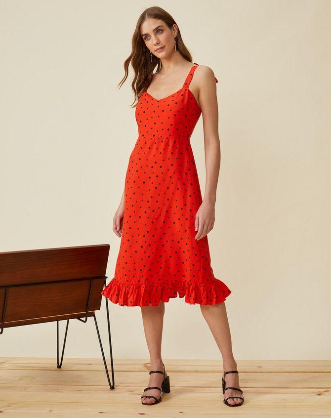 сукня з воланом внизу