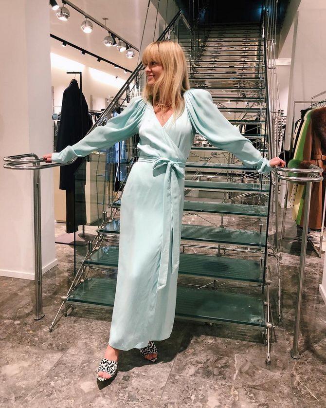 сукня з v-подібним вирізом 2020