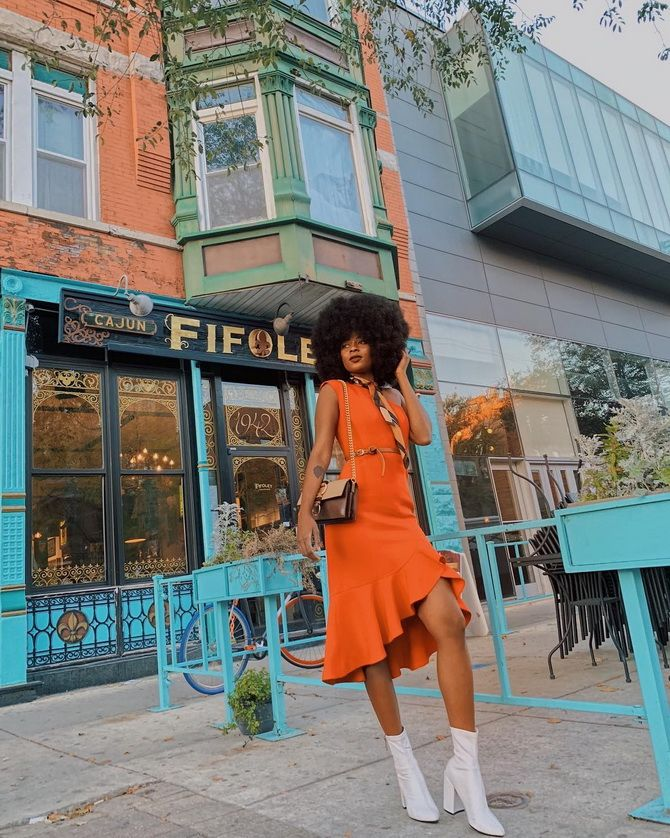 оранжевое платье с воланами