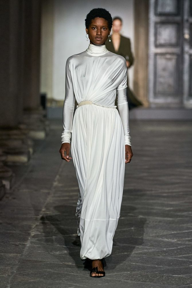 платье драпировка рукав