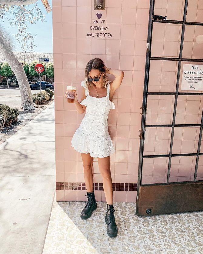 літня сукня з воланами