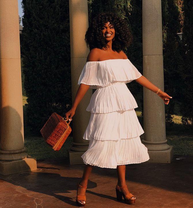 сукні з воланами на плечах 2020