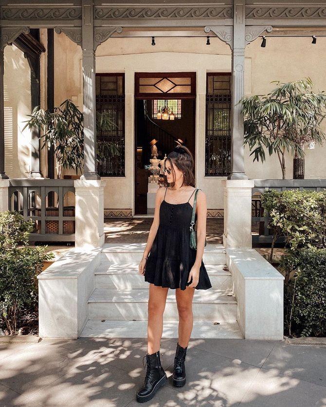 Грубі черевики з сукнею