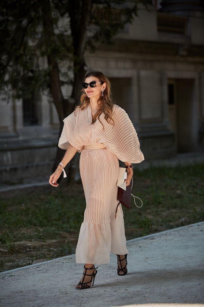 жіночі сукні з плисіровкою 2020