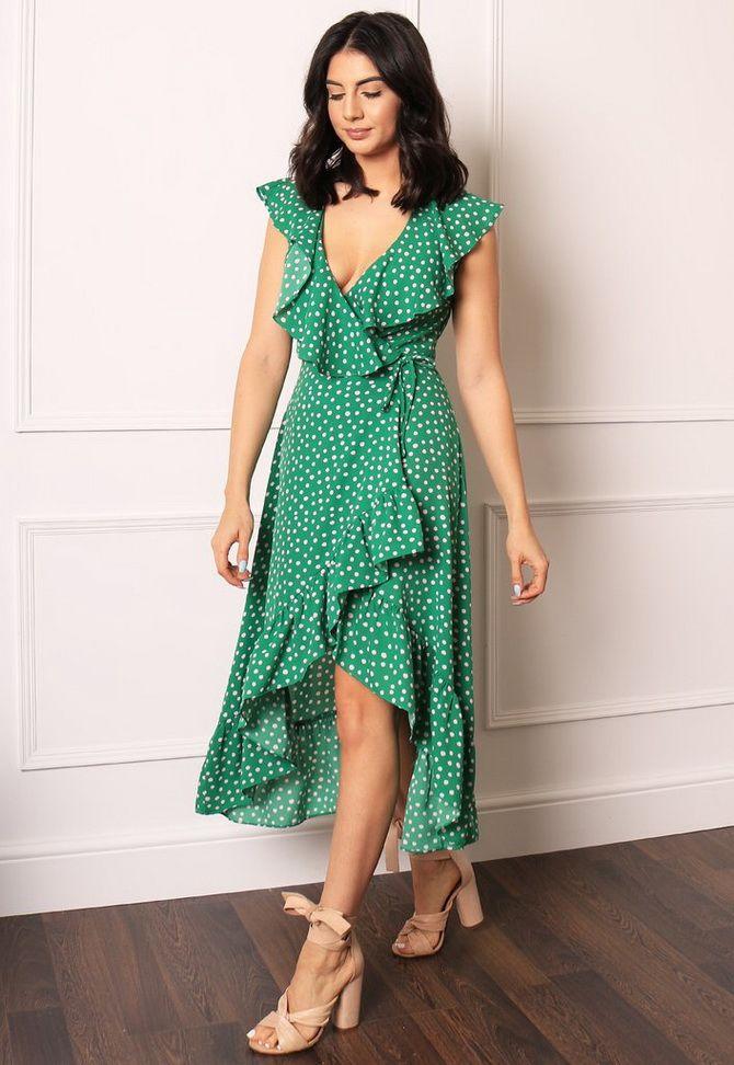 асиметрична сукня в горошок 2020
